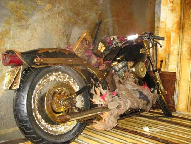 Harley arrastrada por el tsunami de Japón a Canadá