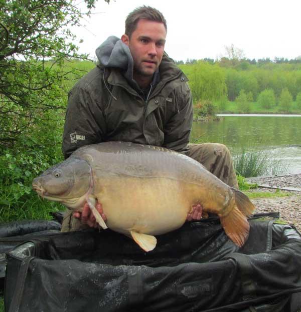 record de pesca de carpa en el Reino Unido