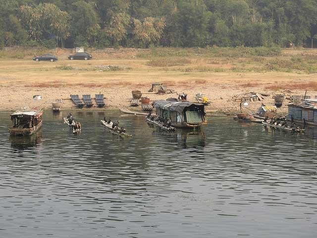 barcas para pesca con cormoranes