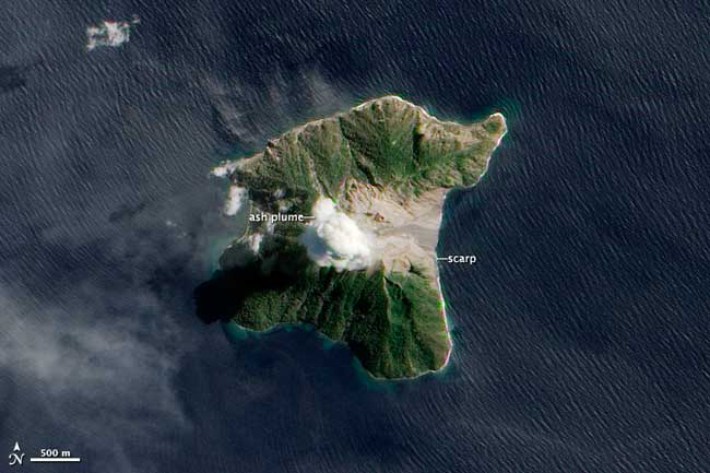 erupción del volcán Batu Tara