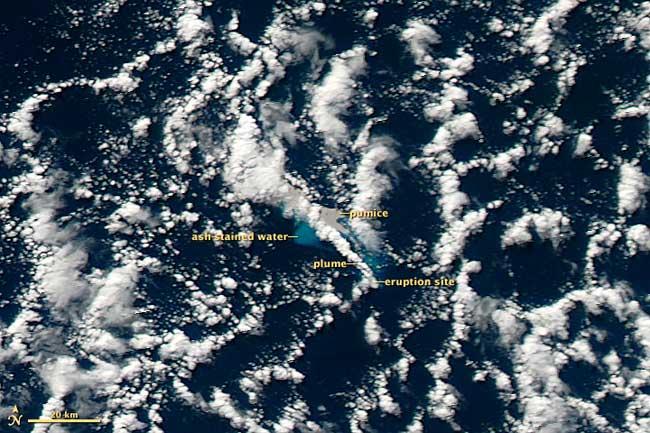 erupción volcán submarino Havre 19 de julio 2012, por la tarde
