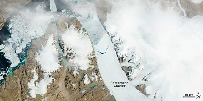 nacimiento de un iceberg en el glaciar Petermann, 16 de julio 2012
