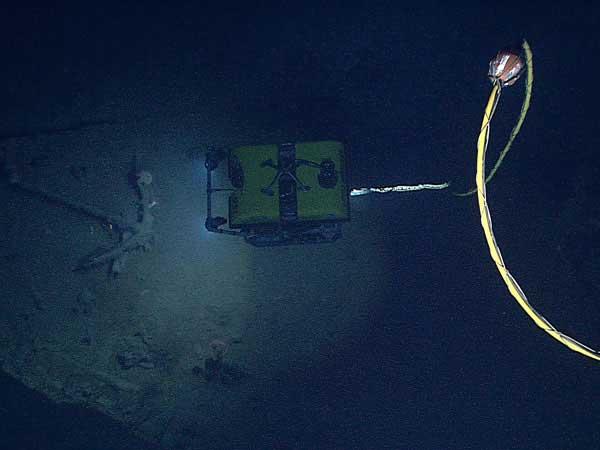 ROV explora un naufragio en el Golfo de México
