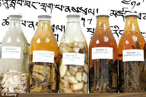 tarros con productos de caballitos de mar