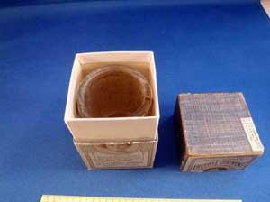 ungüento Dr. C. H Berry's Freckle Ointmen, caja