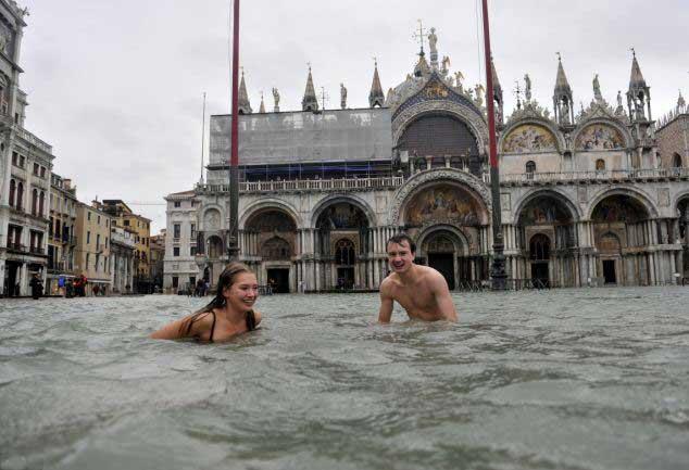 baño en la Plaza de San Marcos, Venecia