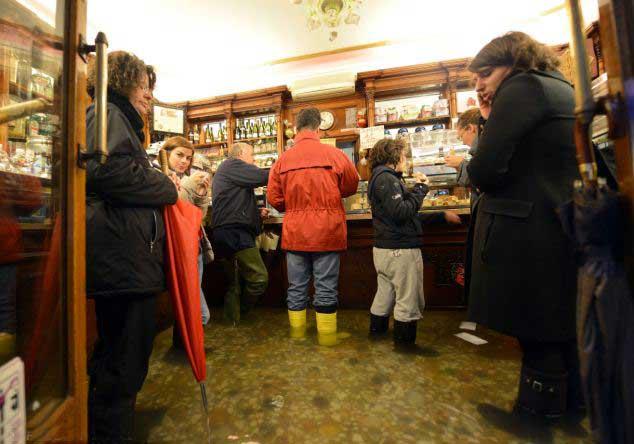 café inundado en Venecia