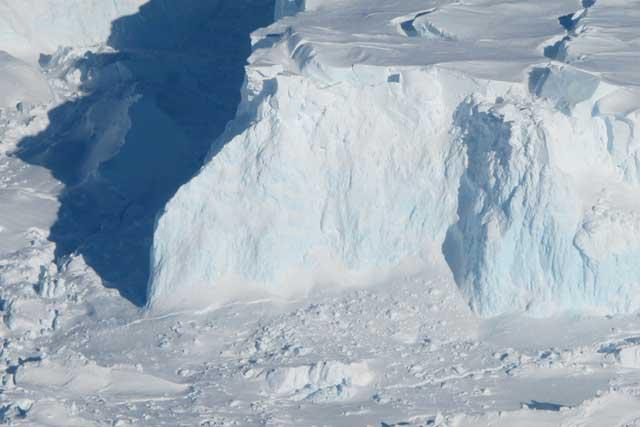 frente del glaciar Gthwaites en la Antártida