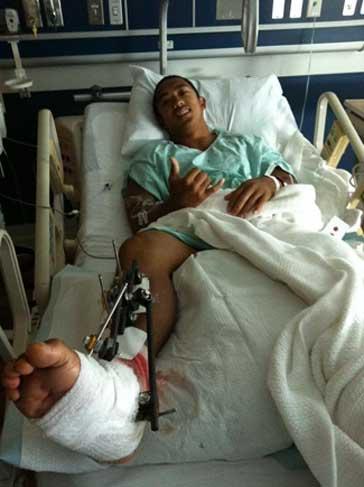 Marc Riglos en el hospital después de ataque de tiburón