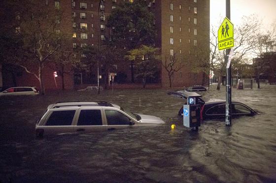 vehículos inundados en New York 30-10-2012