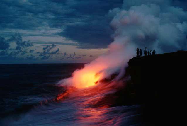 lava del volcaán Kilauea entra en el mar