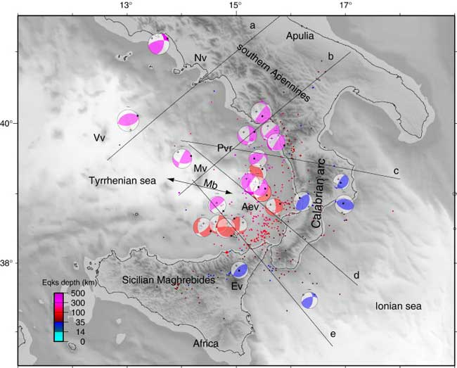 topografía batimétrica del Mar Tirreno