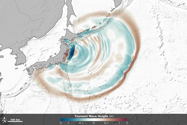 altura y desplazamiento de las olas en el tsunami de Japón de 2011