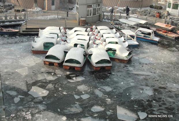 barco atrapado por el hielo en China