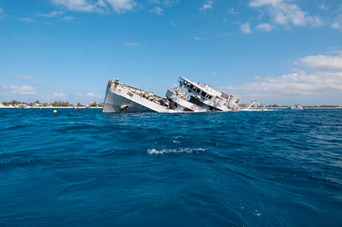 naufragio del Kittiwake, Islas Caimán