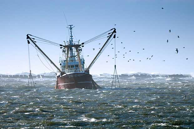 barco pesquero en el norte de Europa