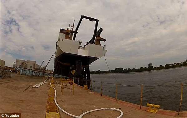 accidente durante la botadura de un buque en Wisconsin