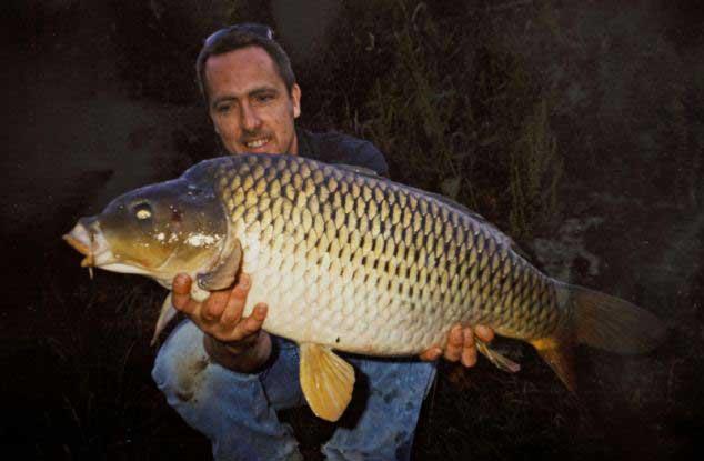 Tim Cosens con la carpa en 1999