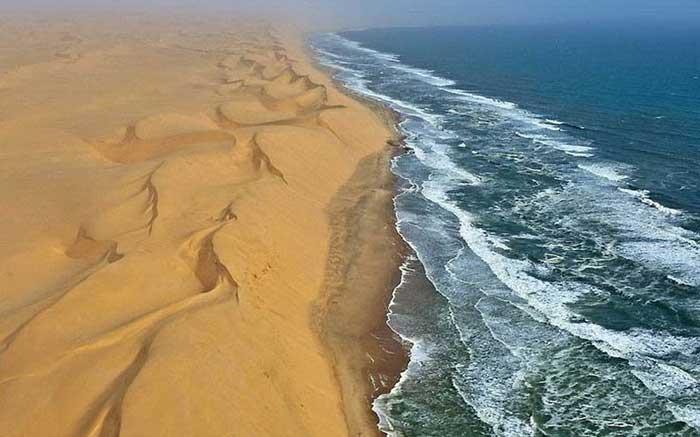el desierto del Namib se junta con el mar