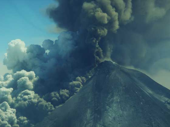 erupción del volcán Pavlof, Alaska