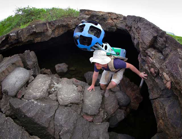 Google Trekker filamdo en Galapagos