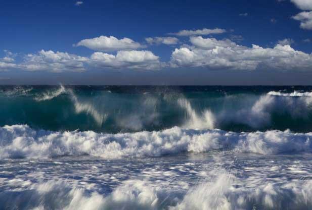 olas rompiendo