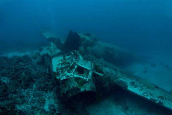 restos de un avión en Chuuk Lagoon