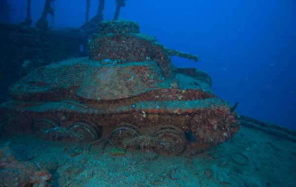 restos de un tanque sumergido en Chuuk Lagoon