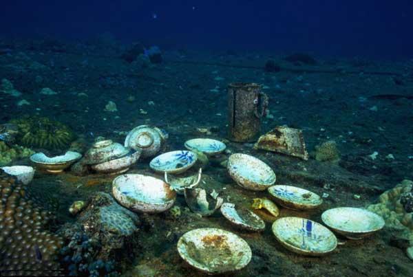 vajilla de porcelana en Chuuk Lagoon