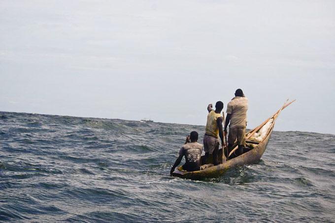 barco pirata avistado por nativos de Sierra Leona