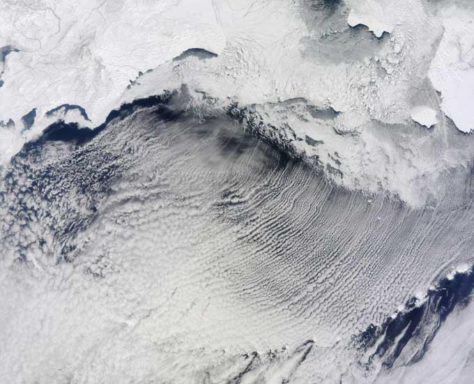 calles de nubes en el Mar de Bering