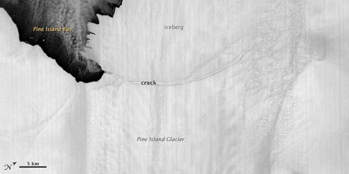 Nueva isla de hielo en el glaciar Pine Island, Antártida