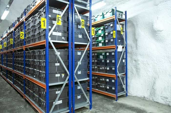 Bóveda Global de Semillas de Svalbard, almacén