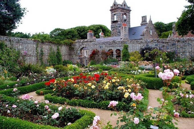 Isla de Sark, jardín del castillo del Seigneur