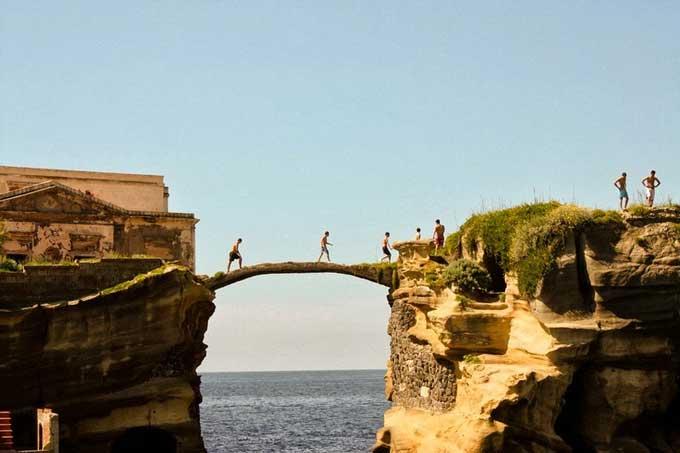 isla Gaiola, Nápoles - Italia,  puente