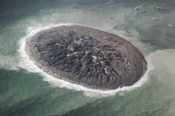 vista aéres de la nueva isla por el terremoto de Pakistán