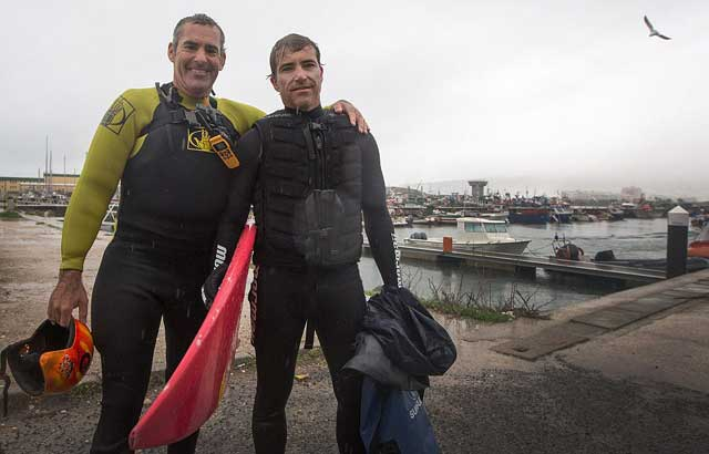 Garrett McNamara y Carlos Burle