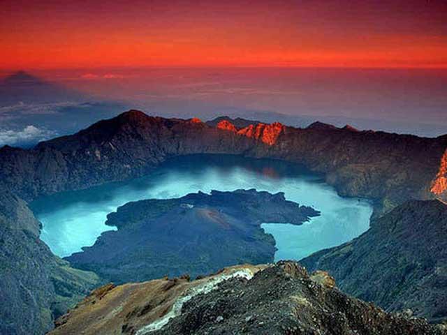 cráter del volcán Rinjani - Samalas