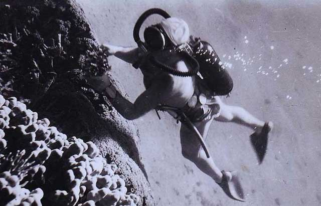 traje de buceo autónomo Cousteau-Gagnan