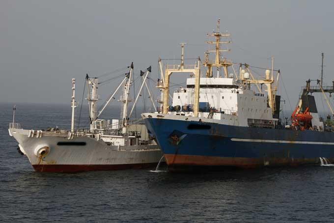 barcos de pesca ilegal en Guinea Bissau