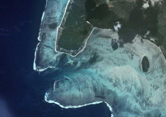 cascada submarina de Isla Mauricio en Google maps