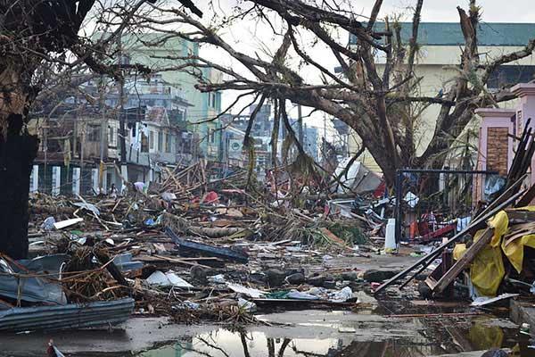daños en Tacloban por el súper tifón de Filipinas