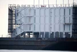 barcaza de Google hecha de contenedores, San Francisco