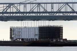 barcaza de Google en la bahía de San Francisco