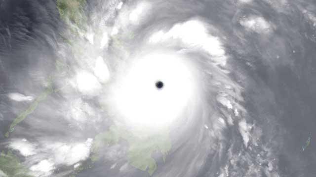 ojo del súper tifón Haiyan sobre las islas Calicoan