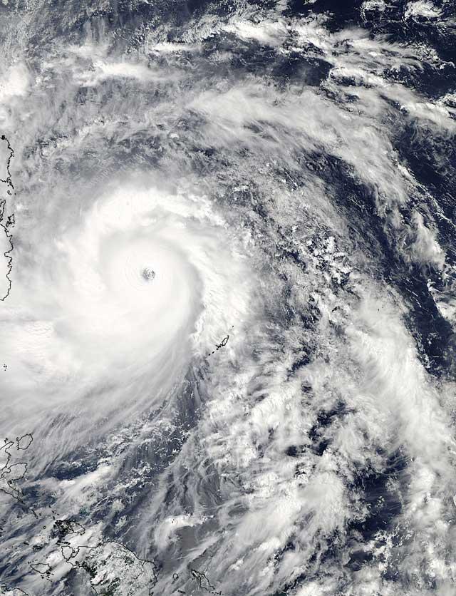 el súper tifón Haiyan desde satélite 7-11-2013