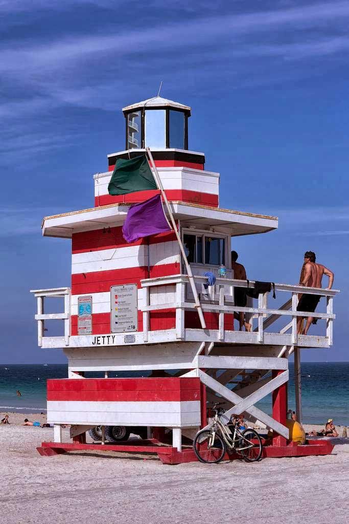 torre de socorrista en Miami Beach, Florida