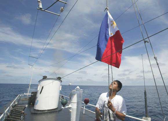 bandera de Filipinas en el mar de China