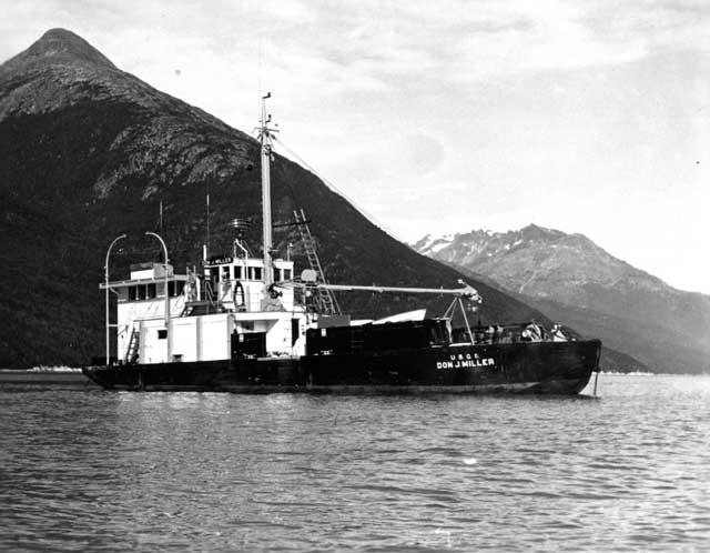 barco de investigación Don J. Miller
