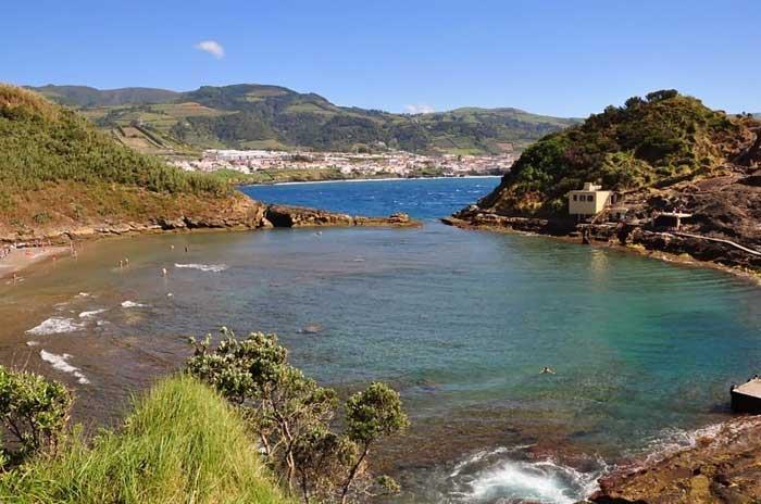 Boquete en el Islote de Vila Franca do Campo, Azores